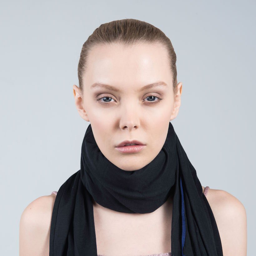 neck brace black silk woman